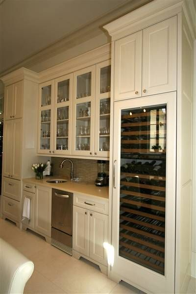 Uptown 5 Traditional Classic Cupboards Kitchen Design And Custom Cabinets In Ne Classic Kitchen Design Transitional Kitchen Design Kitchen Cupboard Designs
