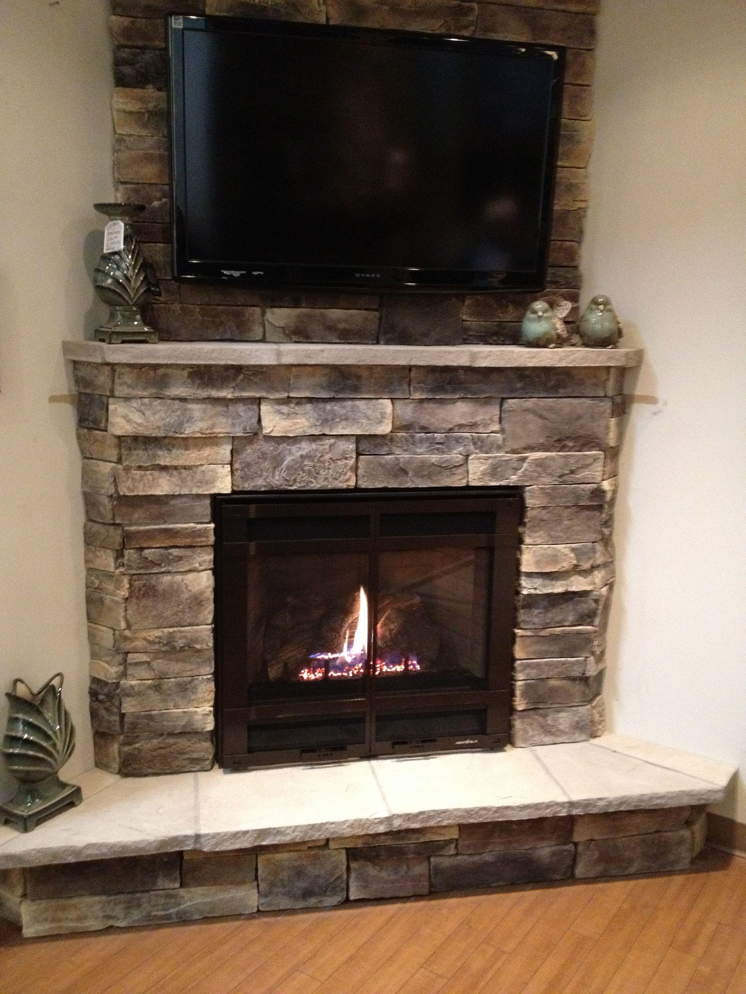 50+ Beautiful Living Room Fireplace With Wood Ideas / FresHOUZ.com