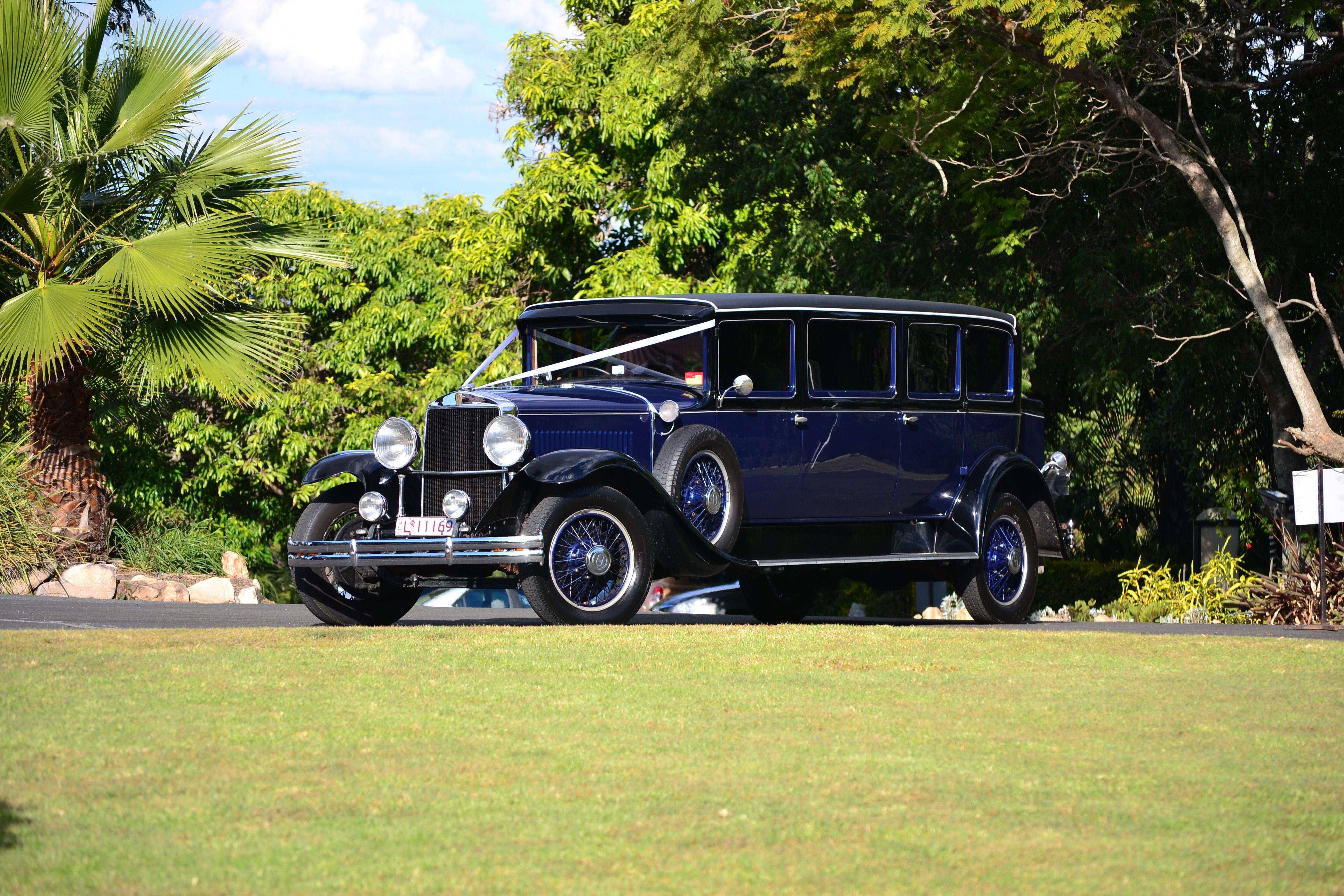 Graham Paige Limousine, same car different wedding & setting #Vinta ...
