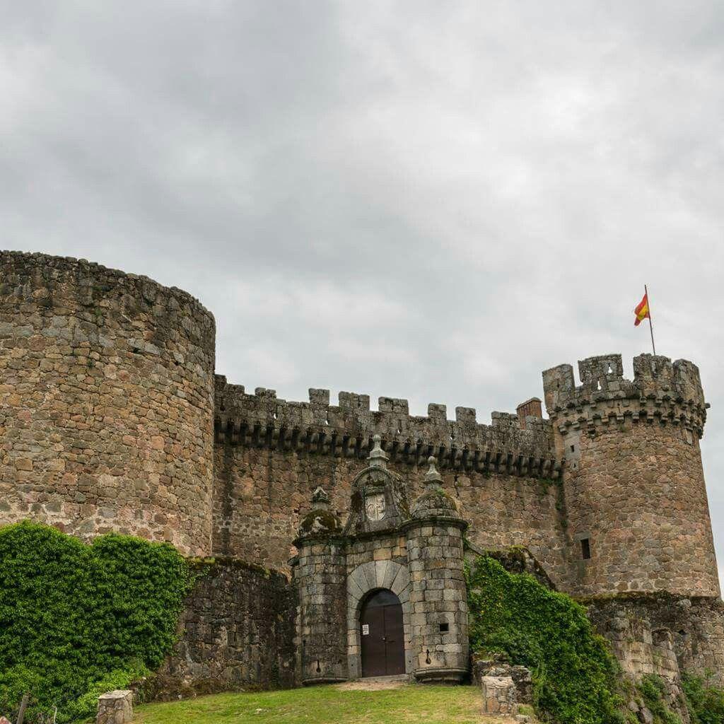 Castillo Mombeltran - Ávila (Spain)
