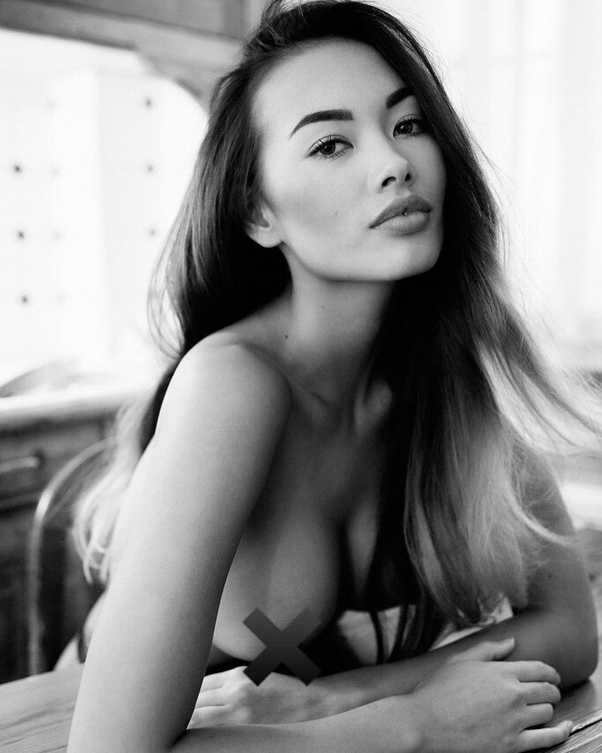 Hot Jennifer Berg naked (59 photo), Sideboobs