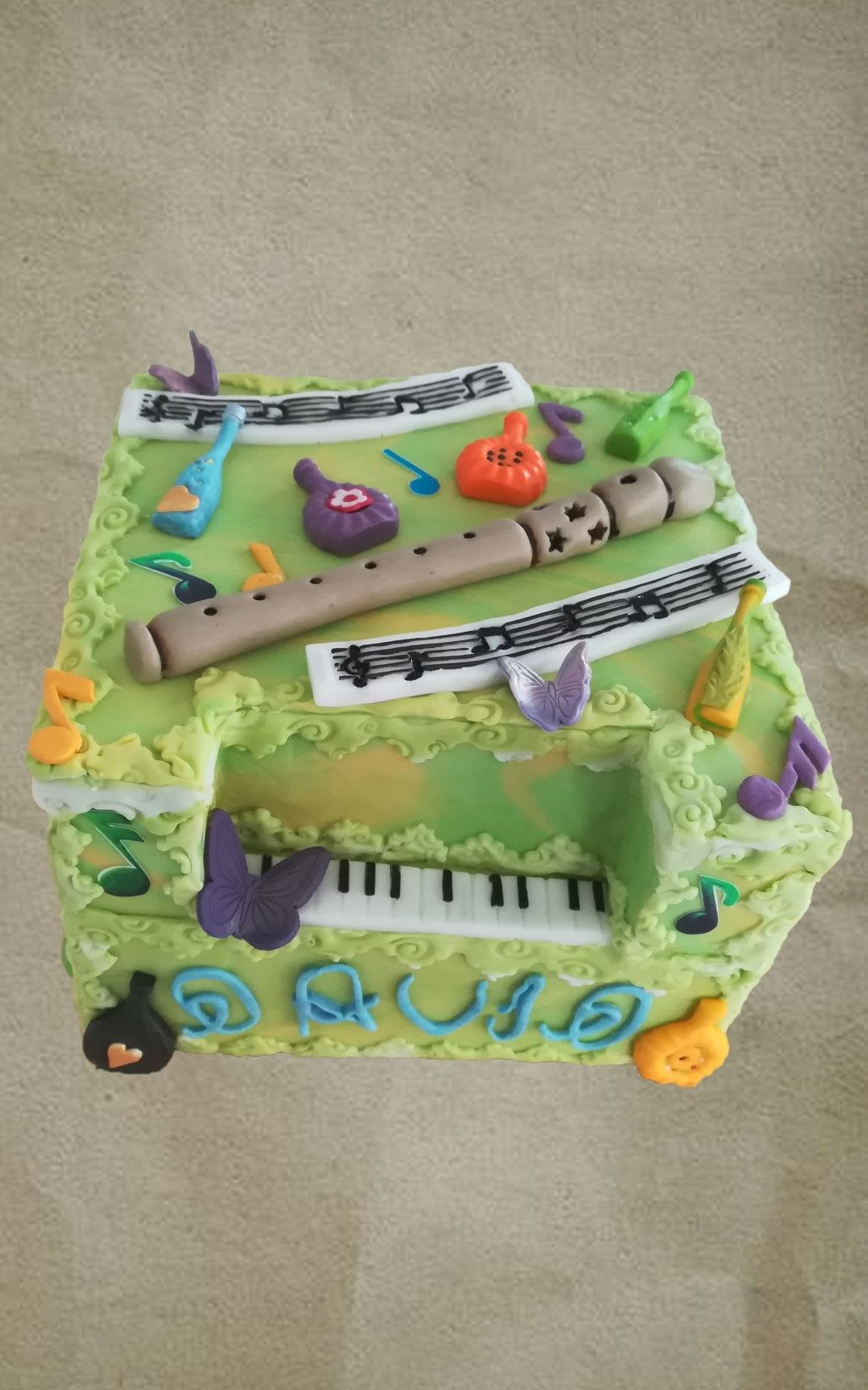 Musical Cake for kids