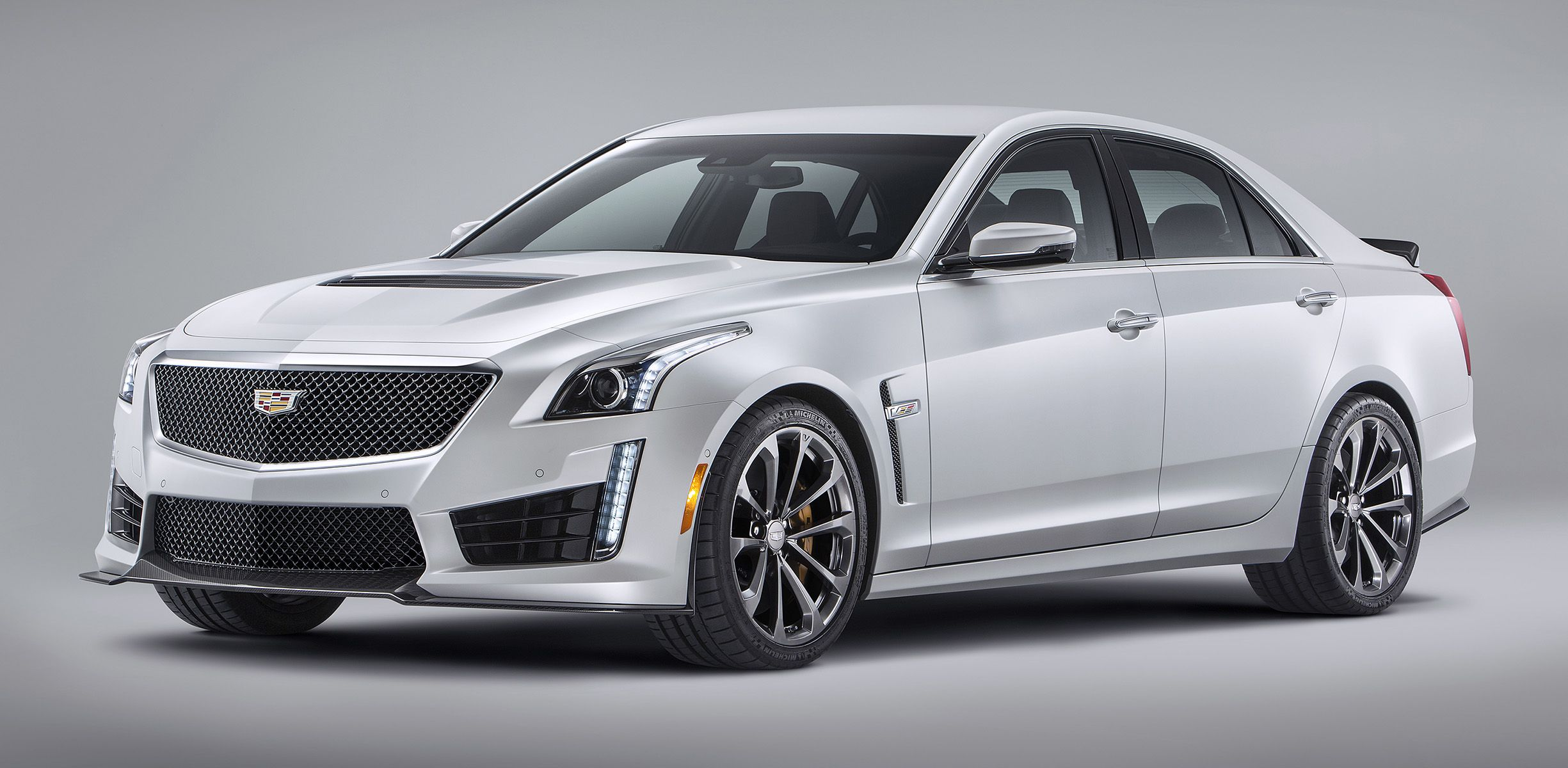 Cadillac CTS V sedan revealed with 477kW 855Nm V8