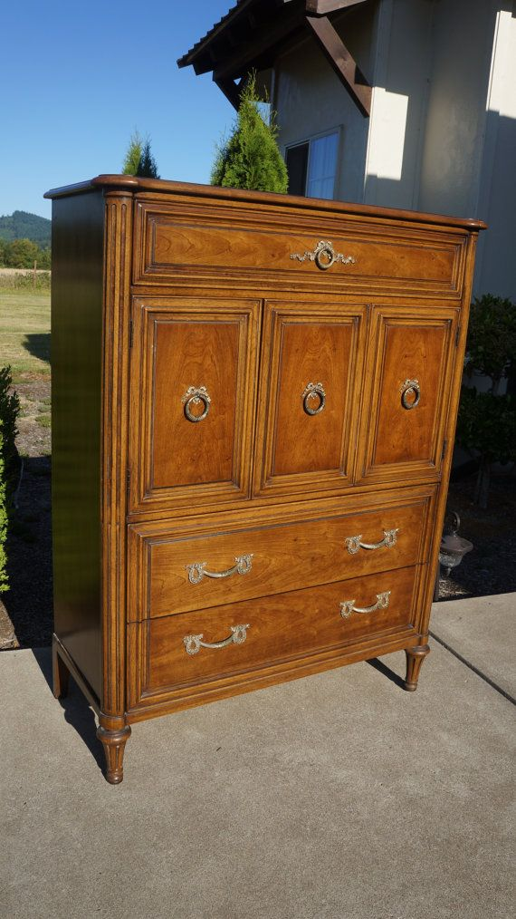 Paint to order Exquisite French Regency Style Henredon
