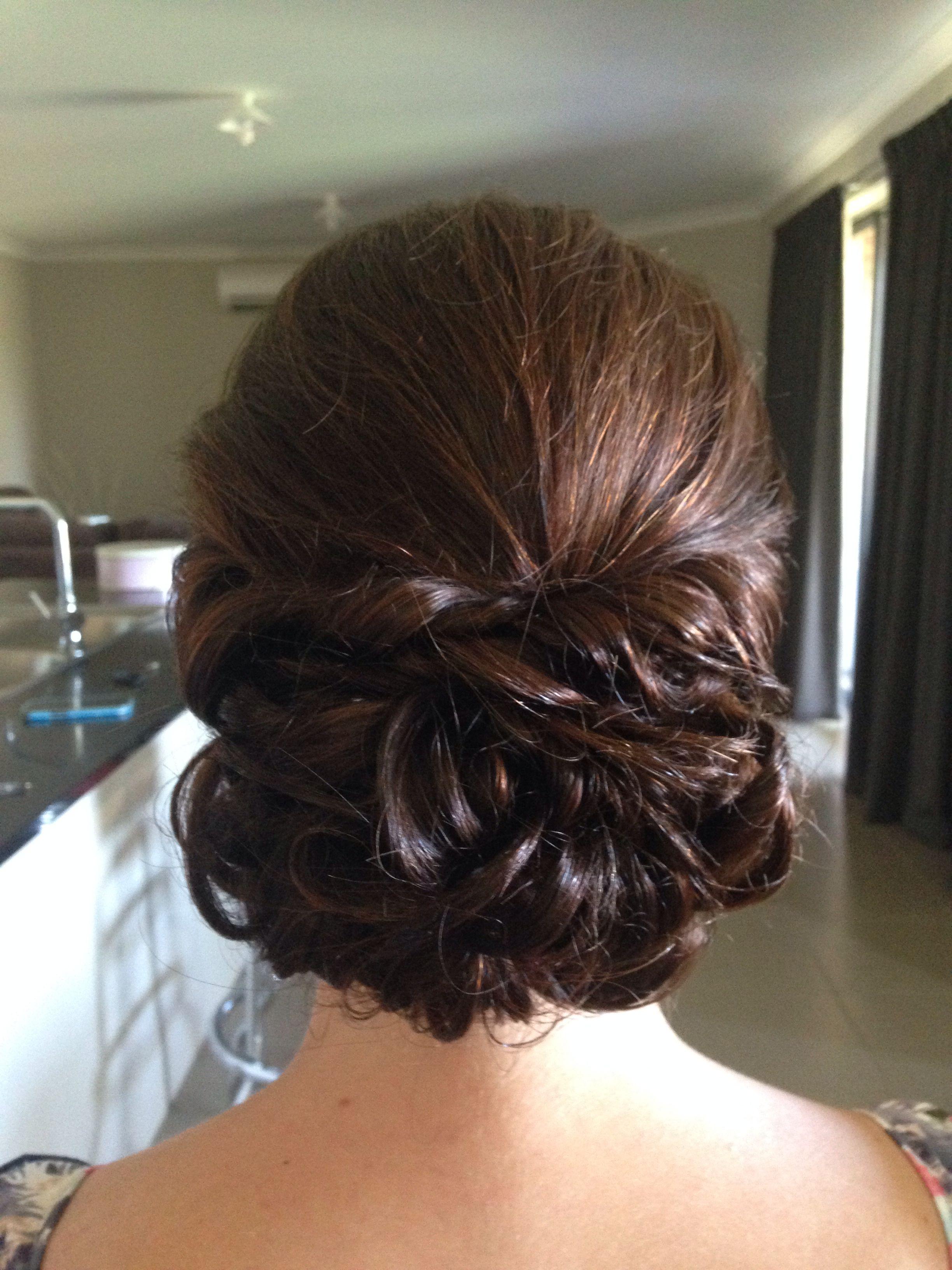 Loose curly bun Upstyle | Bridesmaid hair loose, Bun with curls, Curly bun