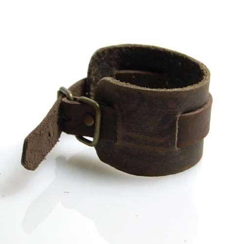 Resultados de la Búsqueda de imágenes de Google de http://www.supplierlist.com/prod_img/shenhu6361/234931_2011_plain_leather_bracelet.jpg