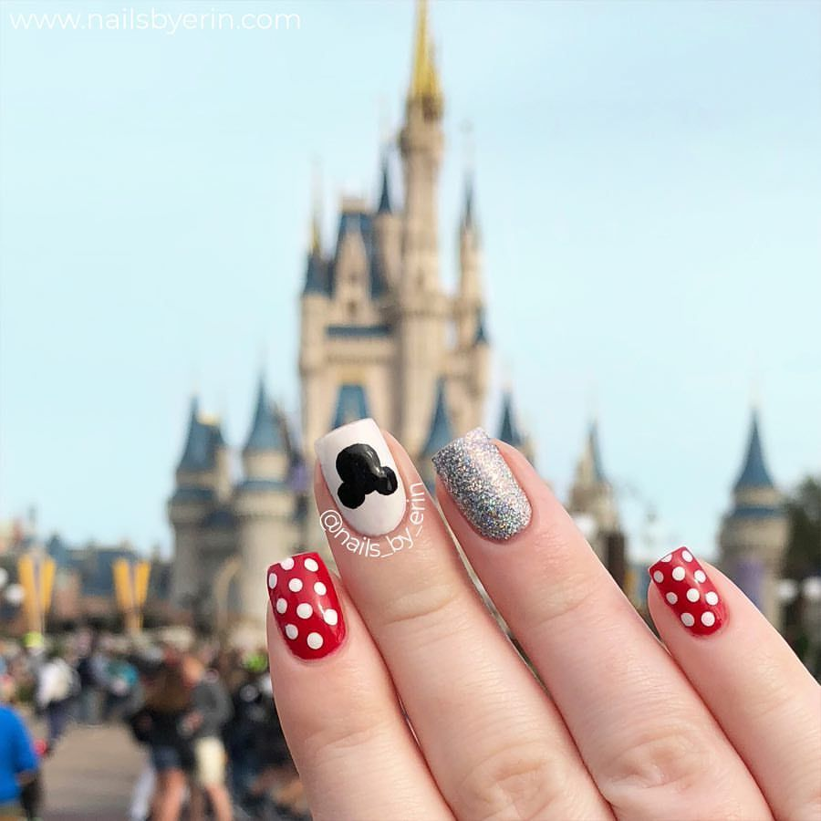 Mickey Mouse Minnie Mouse Nails Disney Nails Nailsbyerin Disney Nailart Mickeymouse Minnie Di Disney Nails Mickey Mouse Nails Nail Art Disney