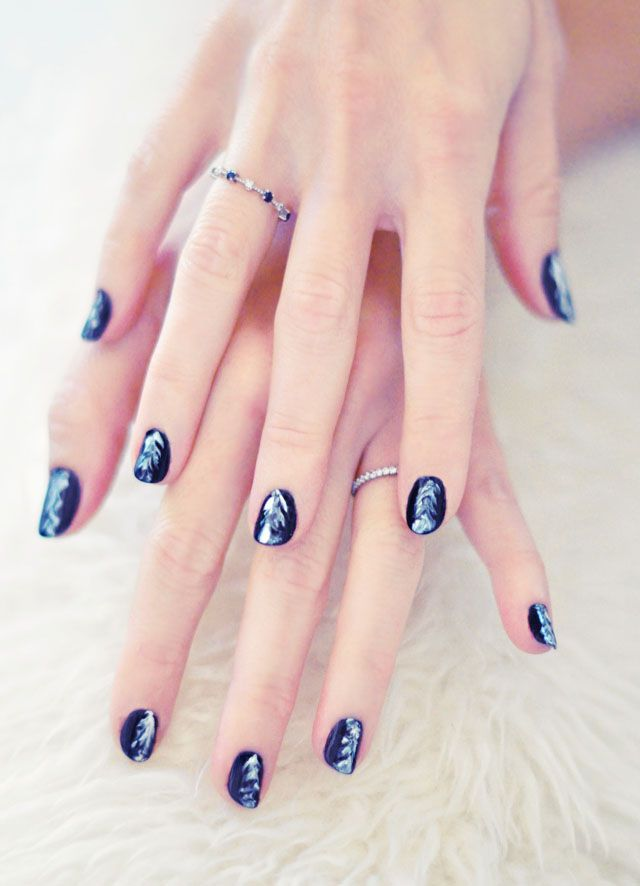 Feathered Nail Art Tutorial Make Me Up Pinterest Feather Nail