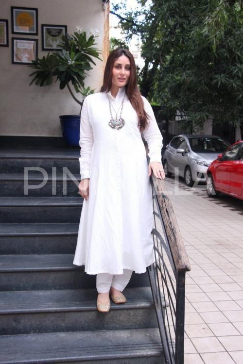 kapoor white dress Kareena
