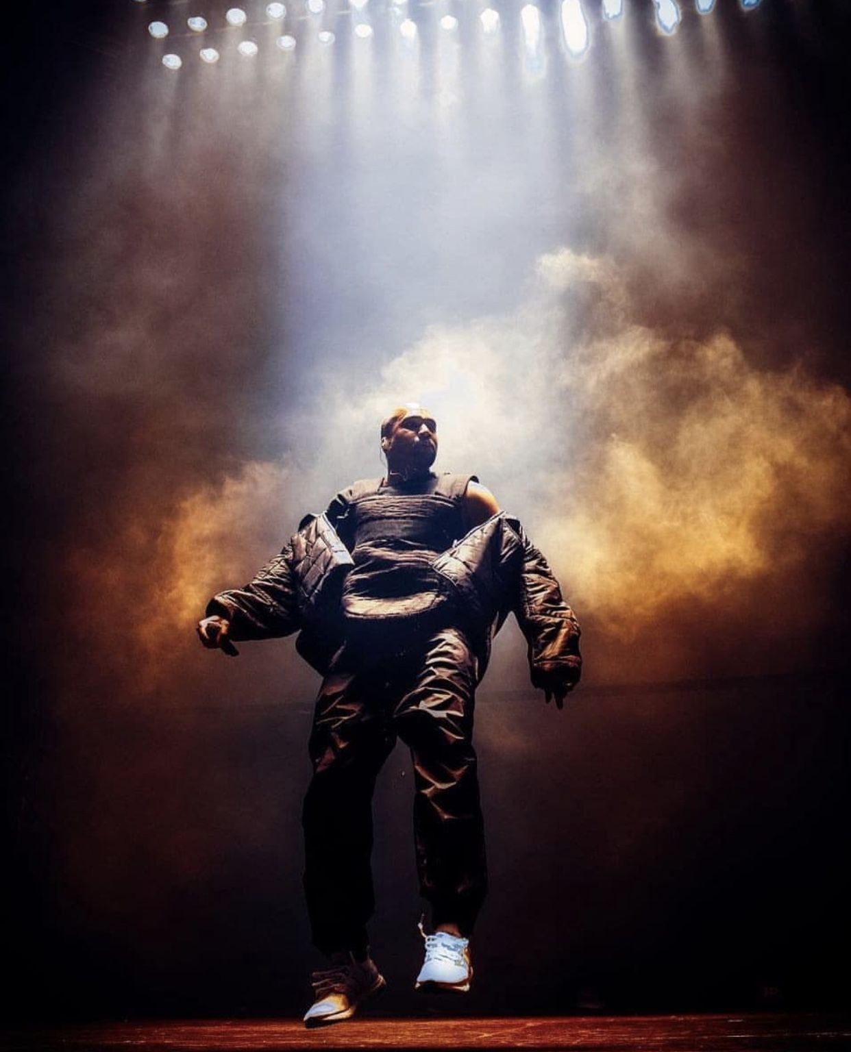 Pin by SWAVEŸ on MR WEST Kanye west wallpaper, Kanye