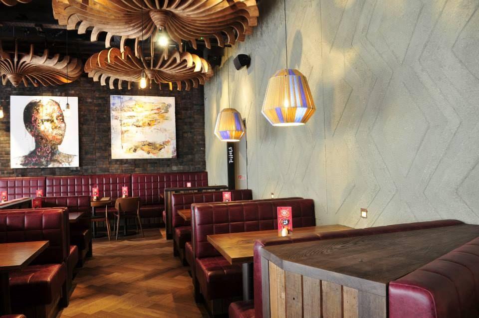 interior design / restaurant design / wall finish