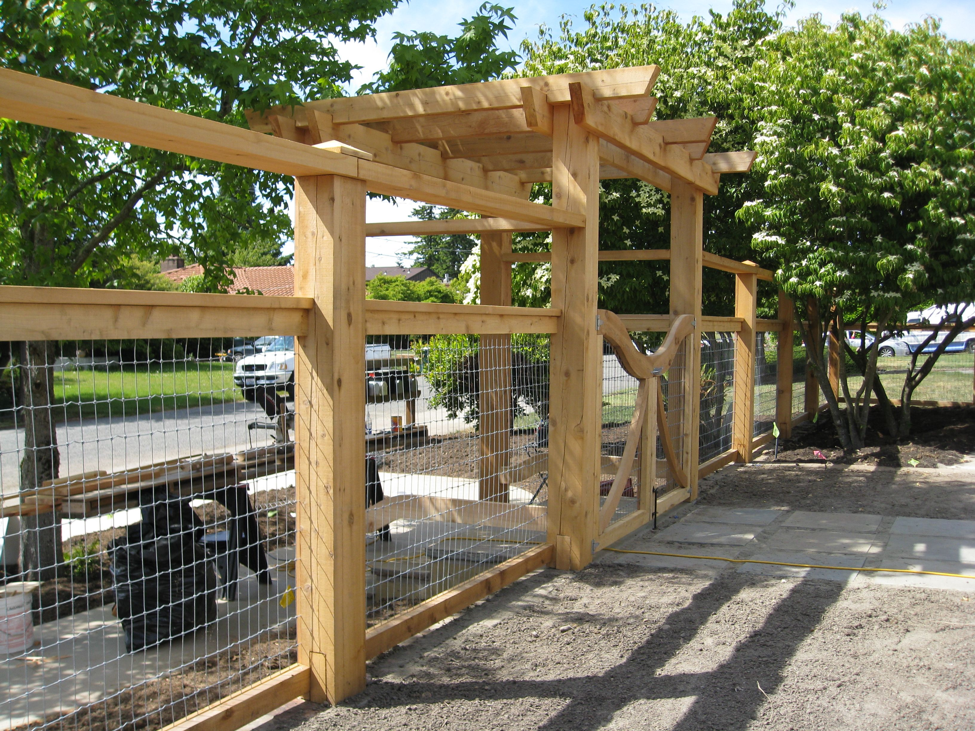 Fenced in garden google search backyard pinterest vine nice walk thru entrance 3 rail w horse mesh fence baanklon Gallery