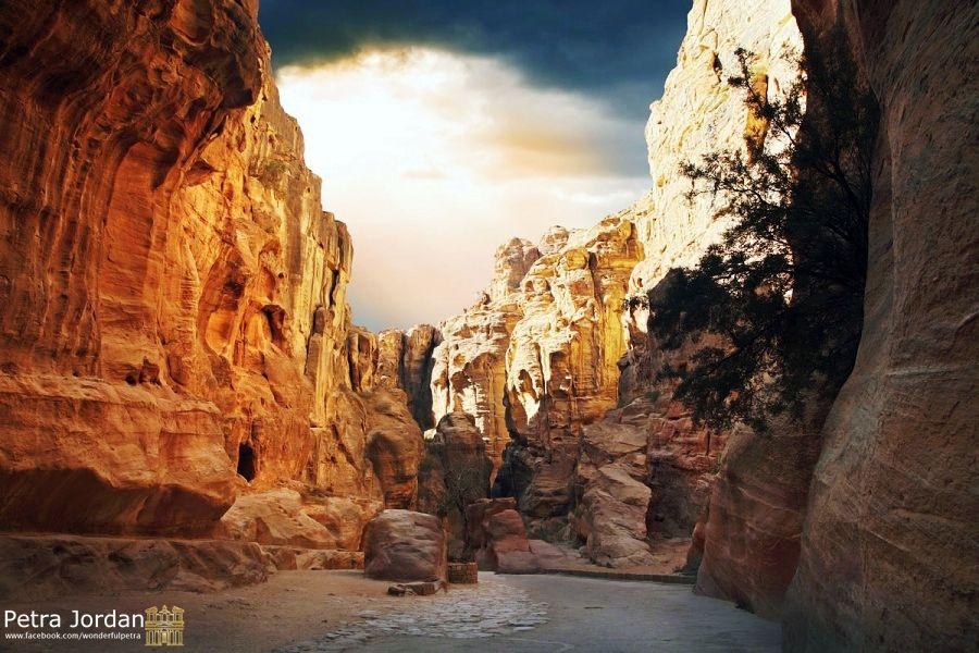 nice shot for Al-Siq - #Petra #Jordan