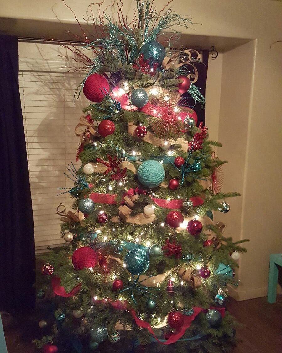 Burlap And Red Christmas Tree: Red And Teal Christmas Tree With Burlap