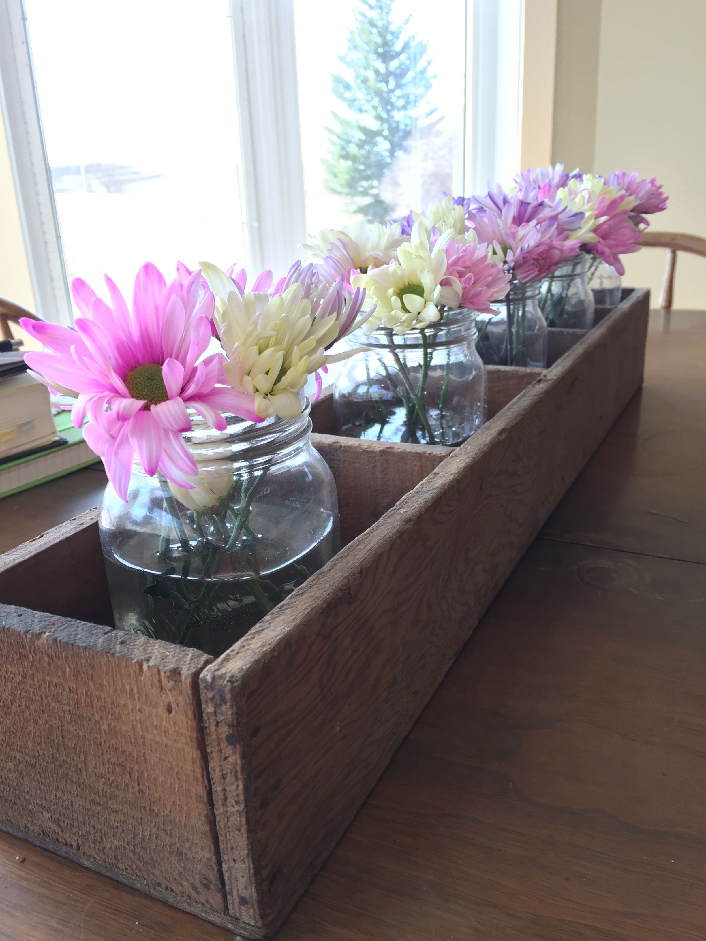 Spring flower arrangement. Easy and affordable look to ...