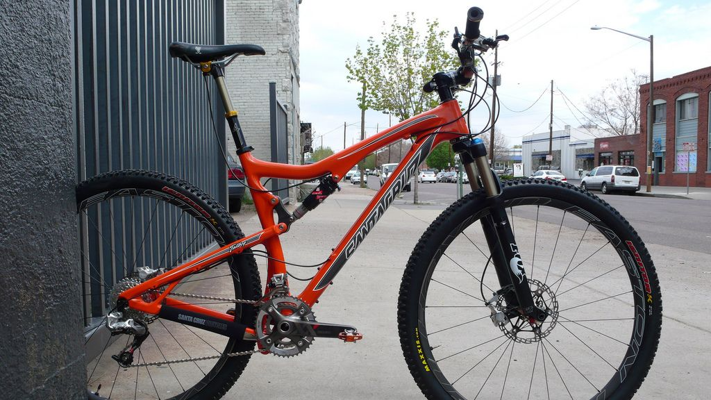 Santa Cruz Tallboy 29er mountain bike