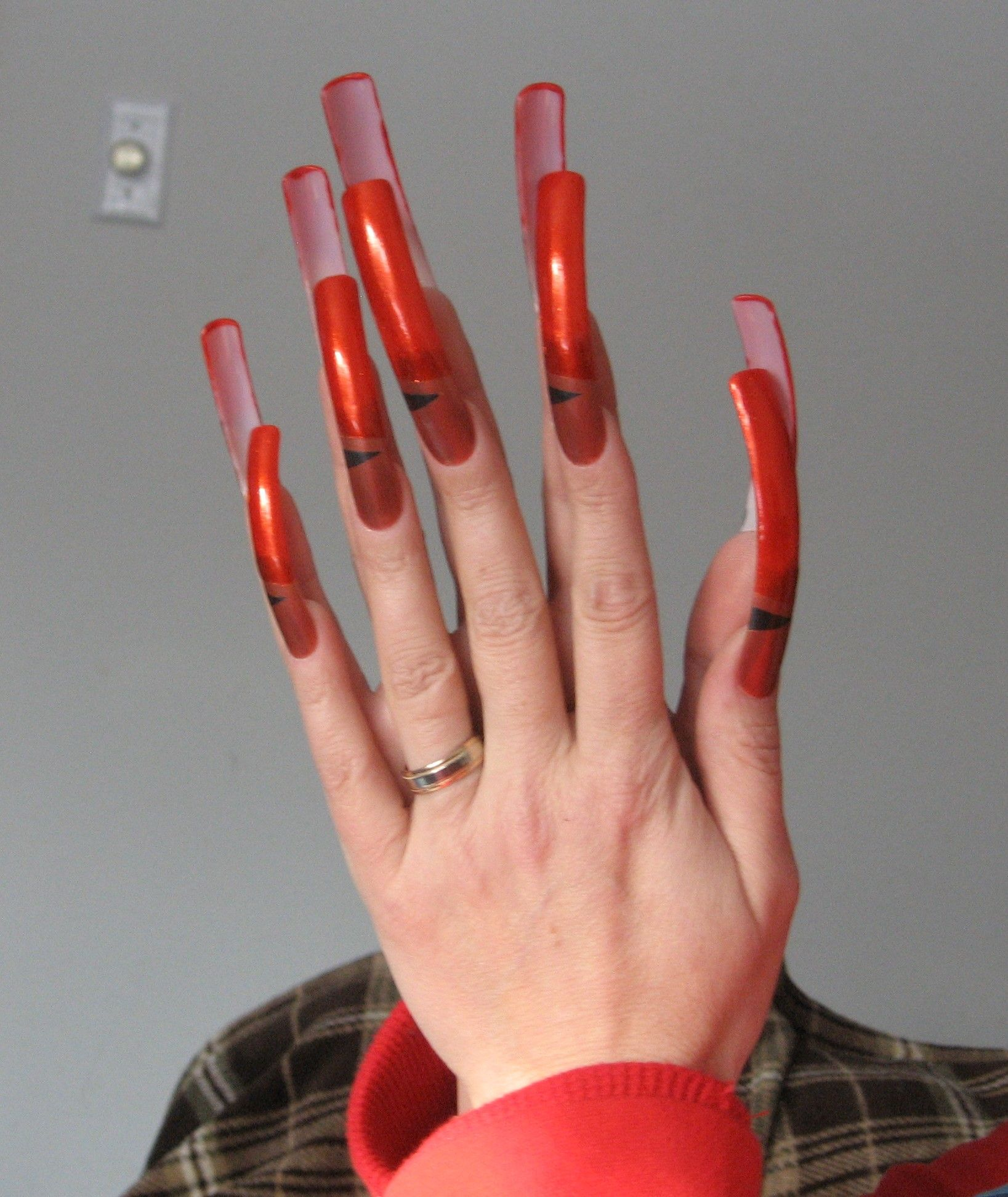 They\'re not real but daaaamn! Why? How would you function? | Nails ...