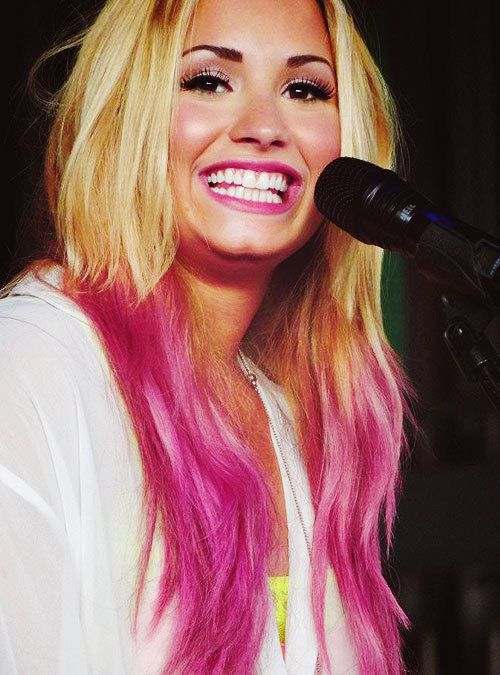 Demi Lovato Pink Hair dip dye | Bright Hair | Pinterest | Pink ...