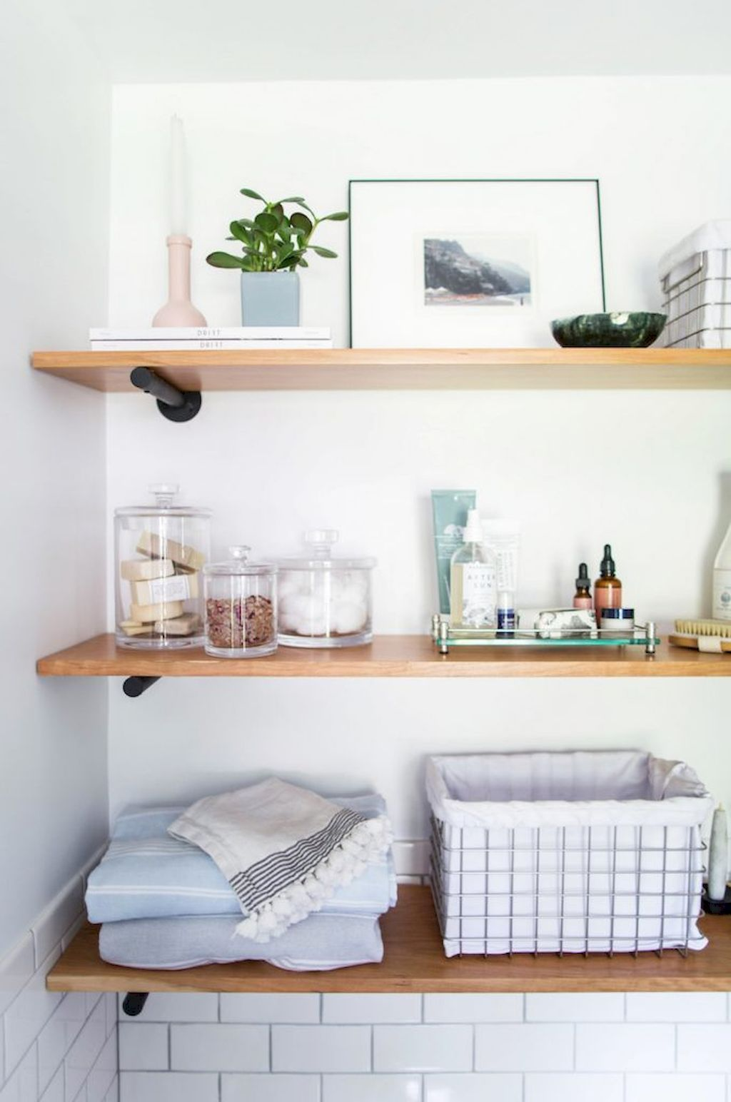 Stunning 30 Rustic Bathroom Shelves Storage Ideas https ...