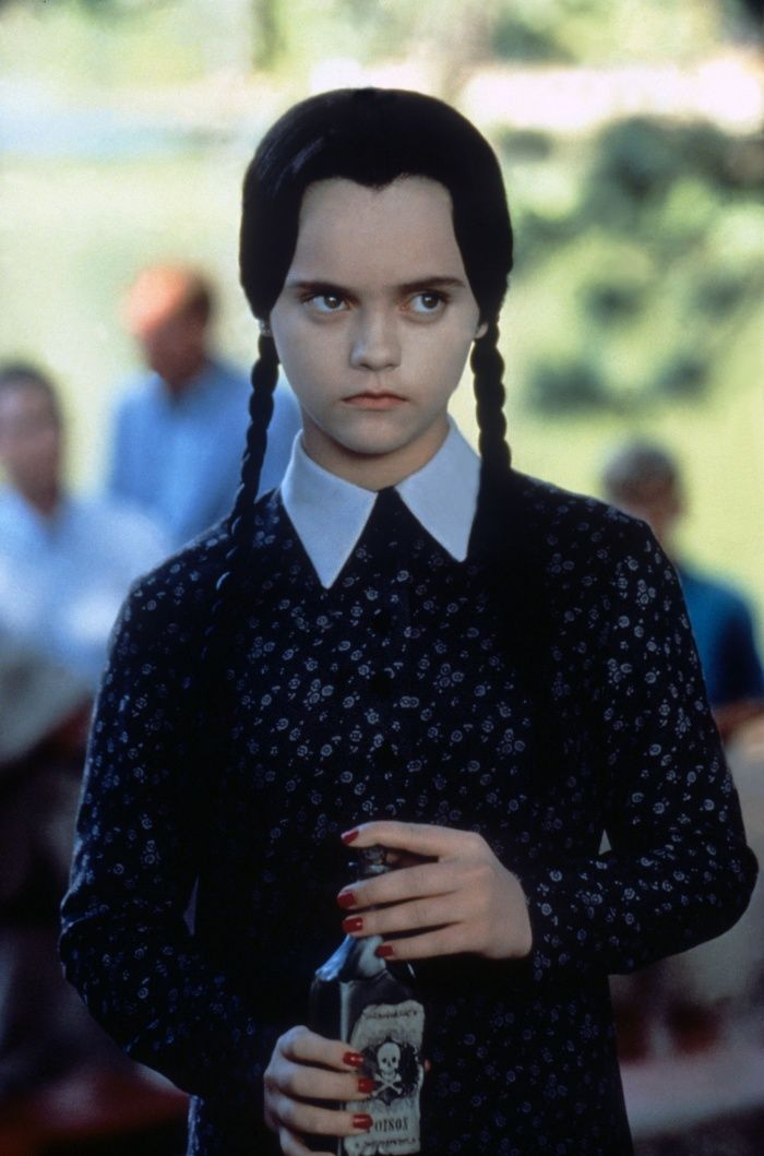 wednesday addams drinking poison - Google Search | Уэнздей аддамс ...