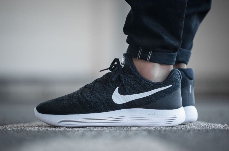 Nike Lunarepic Low Flyknit 2 Black White 863779 001 Men S Running Shoes New Black White Flyknit Nike Air Tailwind Sneakers Sneaker Stores