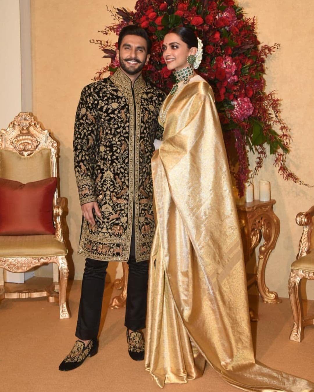 Deepveer Deepika Padukone N Ranveer Singh At Her Wedding Reception Bangalore Deepika Ranveer Indian Wedding Poses Indian Wedding Photography