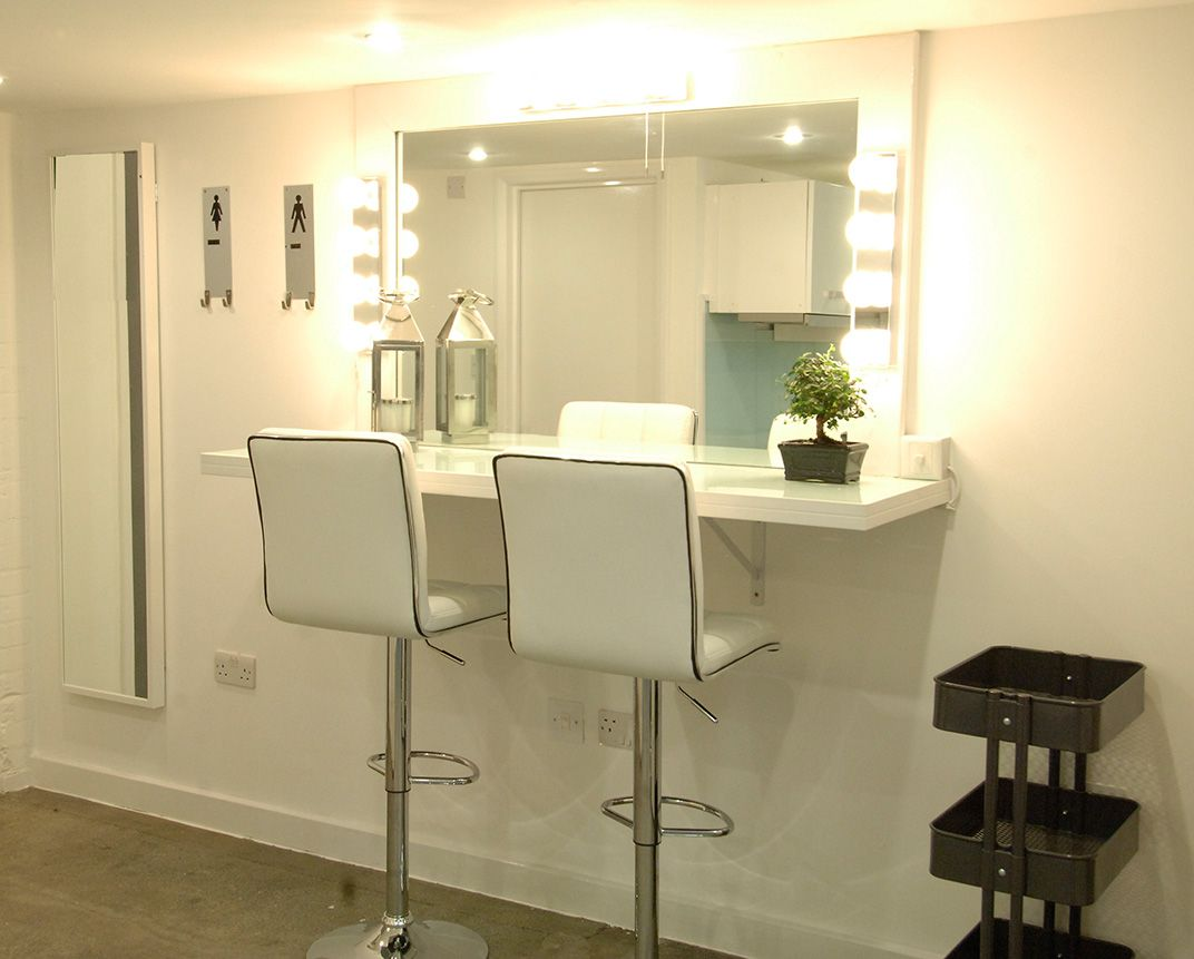 Hair makeup station makeup studio for me pinterest for Salon furniture makeup station