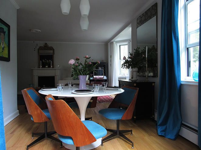Blue Mid Century Modern Dining Room With Swivel Chairs And Extraordinary Mid Century Modern Dining Rooms Inspiration