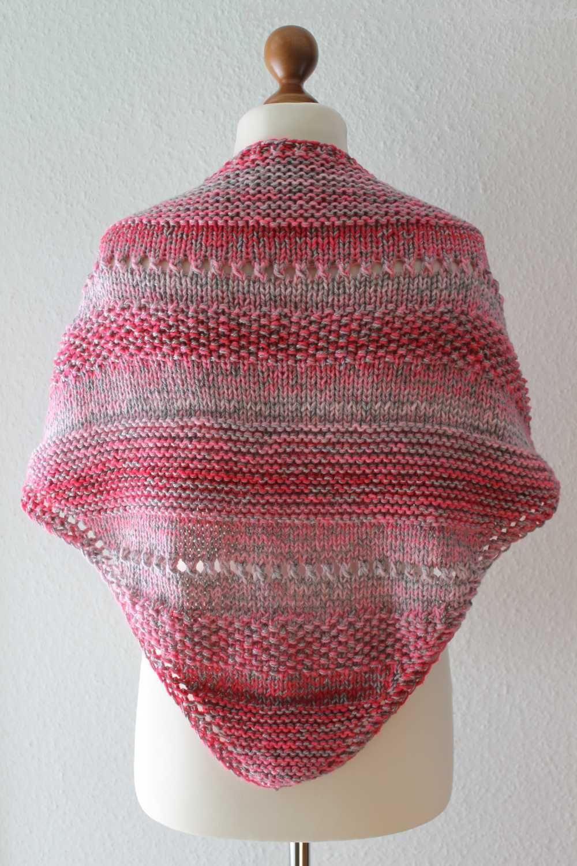 Photo of Einfaches Schultertuch aus Papatya Batikwolle