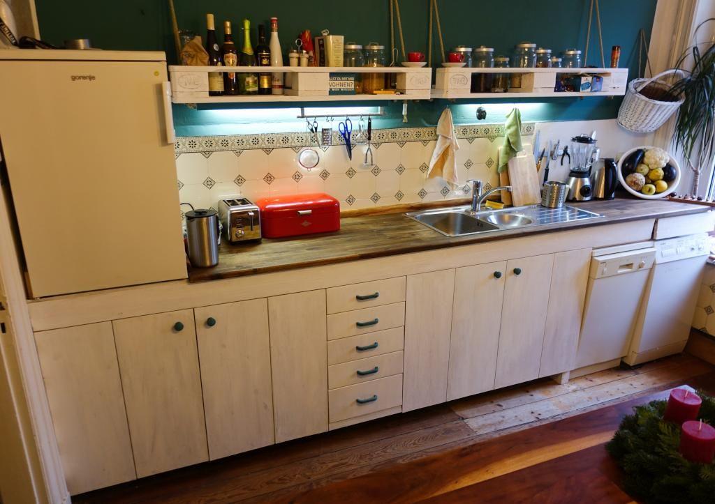 Eine praktische DIY-Idee für die Küche! Außerdem sieht die - küche aus paletten