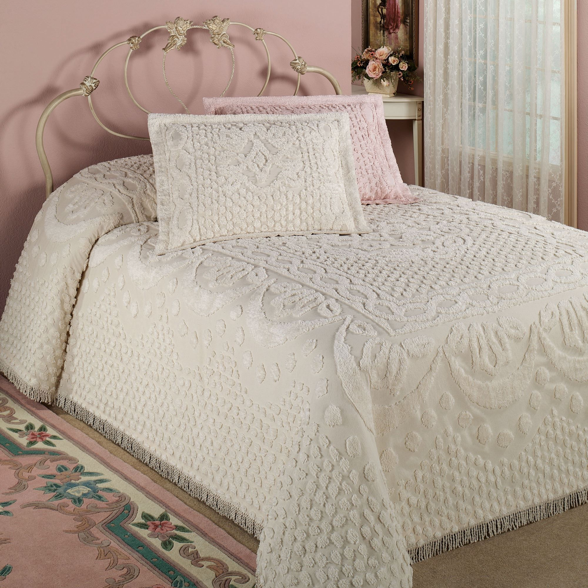 Kingston Beige Or White Chenille Bedspreads Chenille Bedspread Bed Spreads Queen Size Bedspread