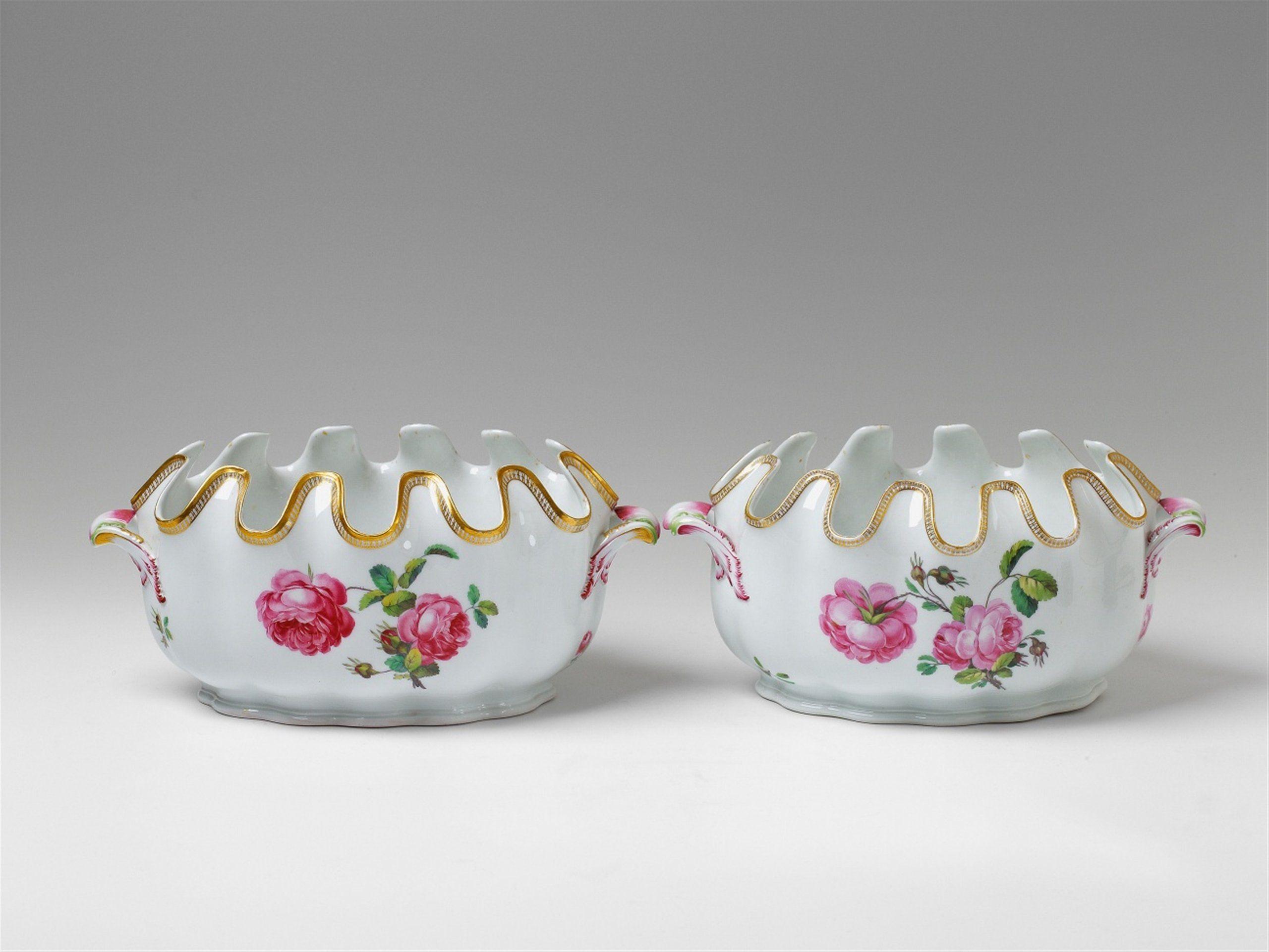 Königliche Porzellanmanufaktur Berlin, Ca. 1790.Two Berlin KPM porcelain wine coolers, Auction 1065 The Berlin Sale, Lot 39 #KPM #porcelain #porzellan