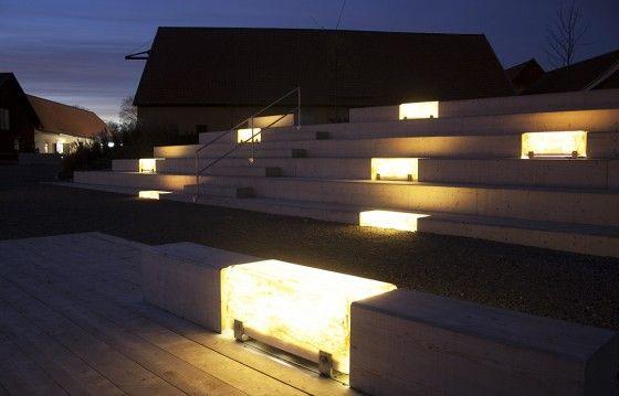 banc en fibre de verre avec clairage eclairage pinterest design urbain escalier. Black Bedroom Furniture Sets. Home Design Ideas