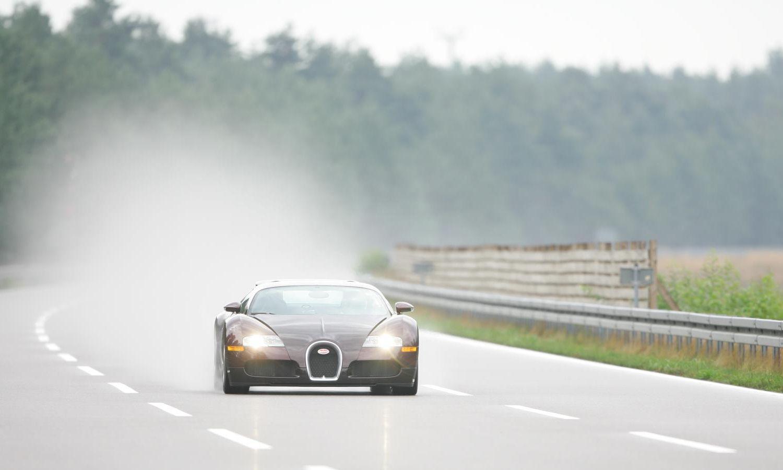 Efeméride: 15 años desde que el Bugatti Veyron superó los 400 km/h en 2020 | Bugatti veyron ...