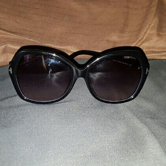 Tom Ford Carola Sunglasses MODERN OVERSIZED CAT EYE TYPES Tom Ford Accessories Glasses