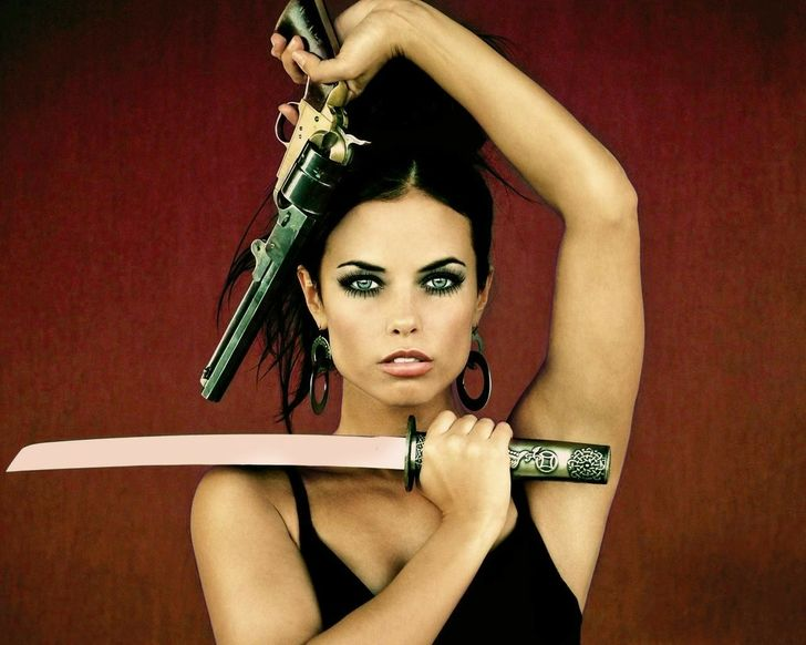 women females weapons - photo #30