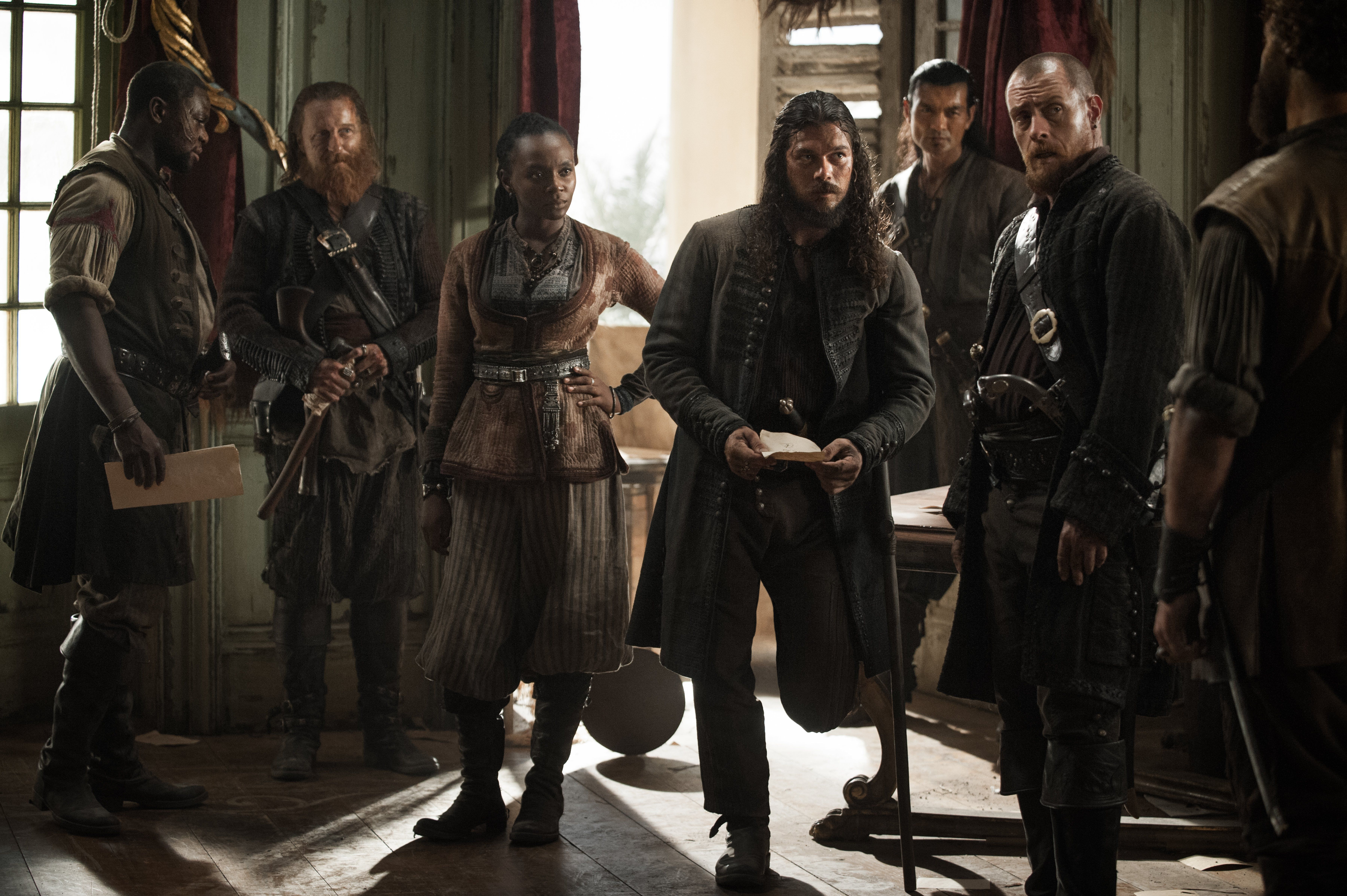 Black Sails Madi And Captain James Flint With John Silver Black Sails Black Sails Starz Sailing