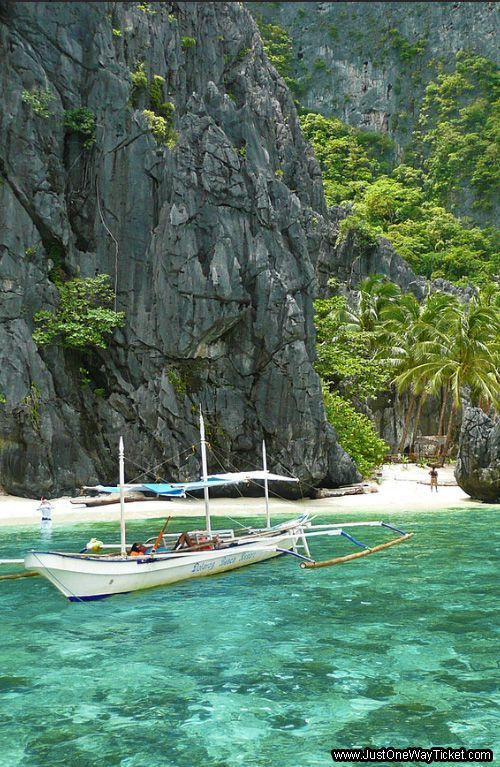 Unspoiled Paradise on Earth - The Archipelago of El Nido, Philippines. https://ExploreTraveler.com