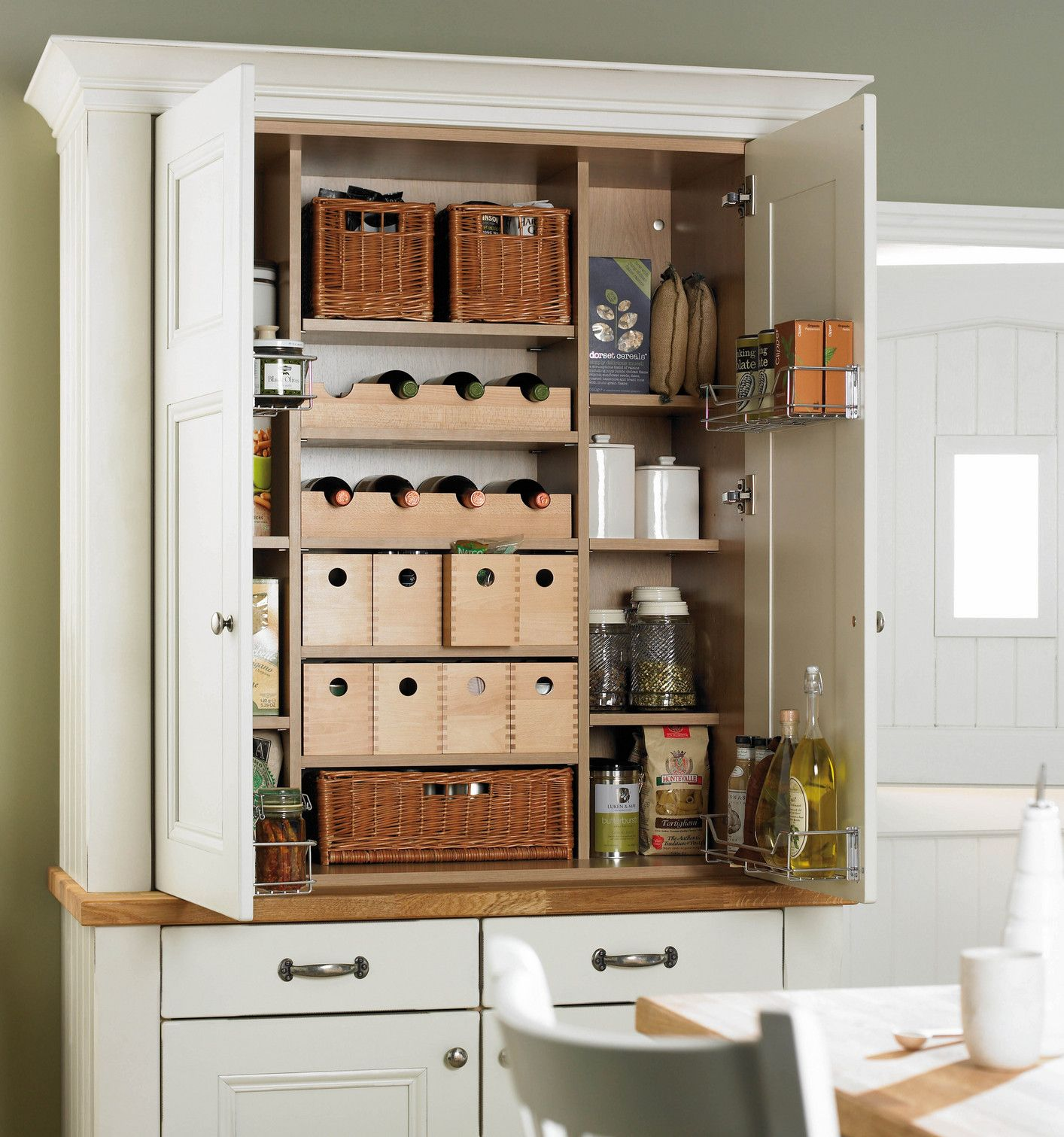 Download Wallpaper Freestanding White Kitchen Shelves