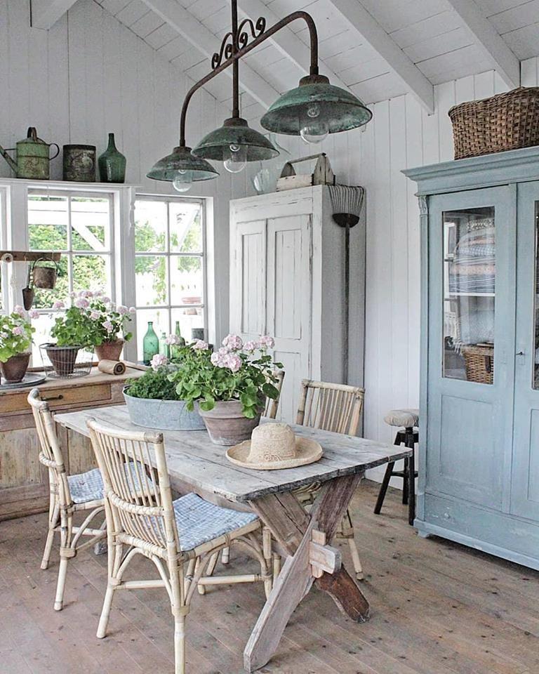 #Wohnideen - #Küche - #Landhausstil  An diesem Tisch essen wir doch gerne mit unseren Liebsten.