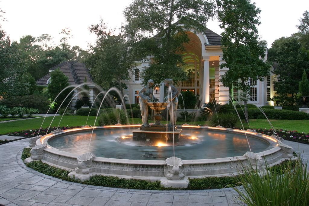 Front Fountain With Images Outdoor Water Features Luxury Real