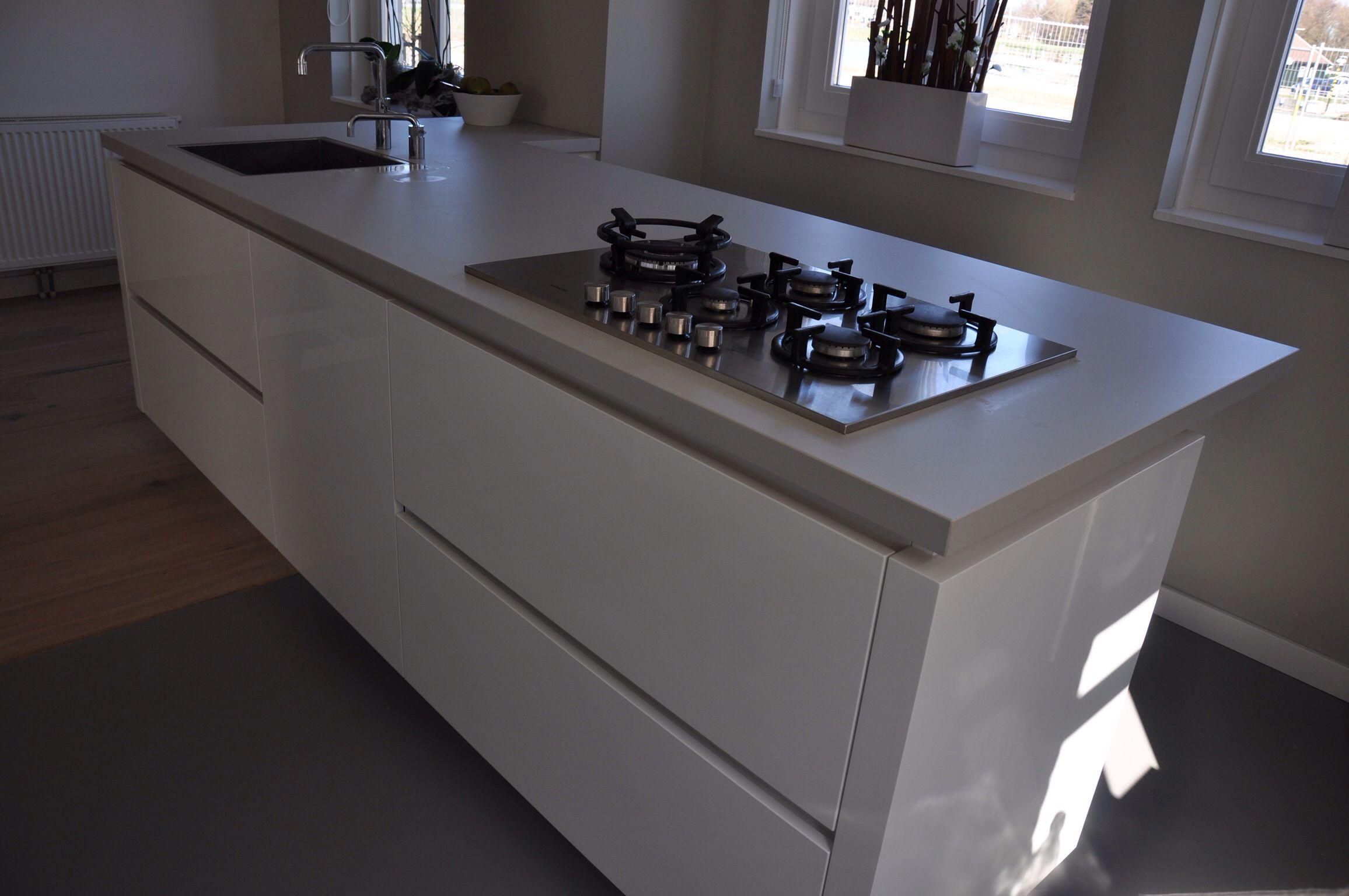 Grijze Keuken Met Wit Blad : Keukens Kleurtjes, Betonlook Blad, Met Betonlook, Keuken Wit Greeploos