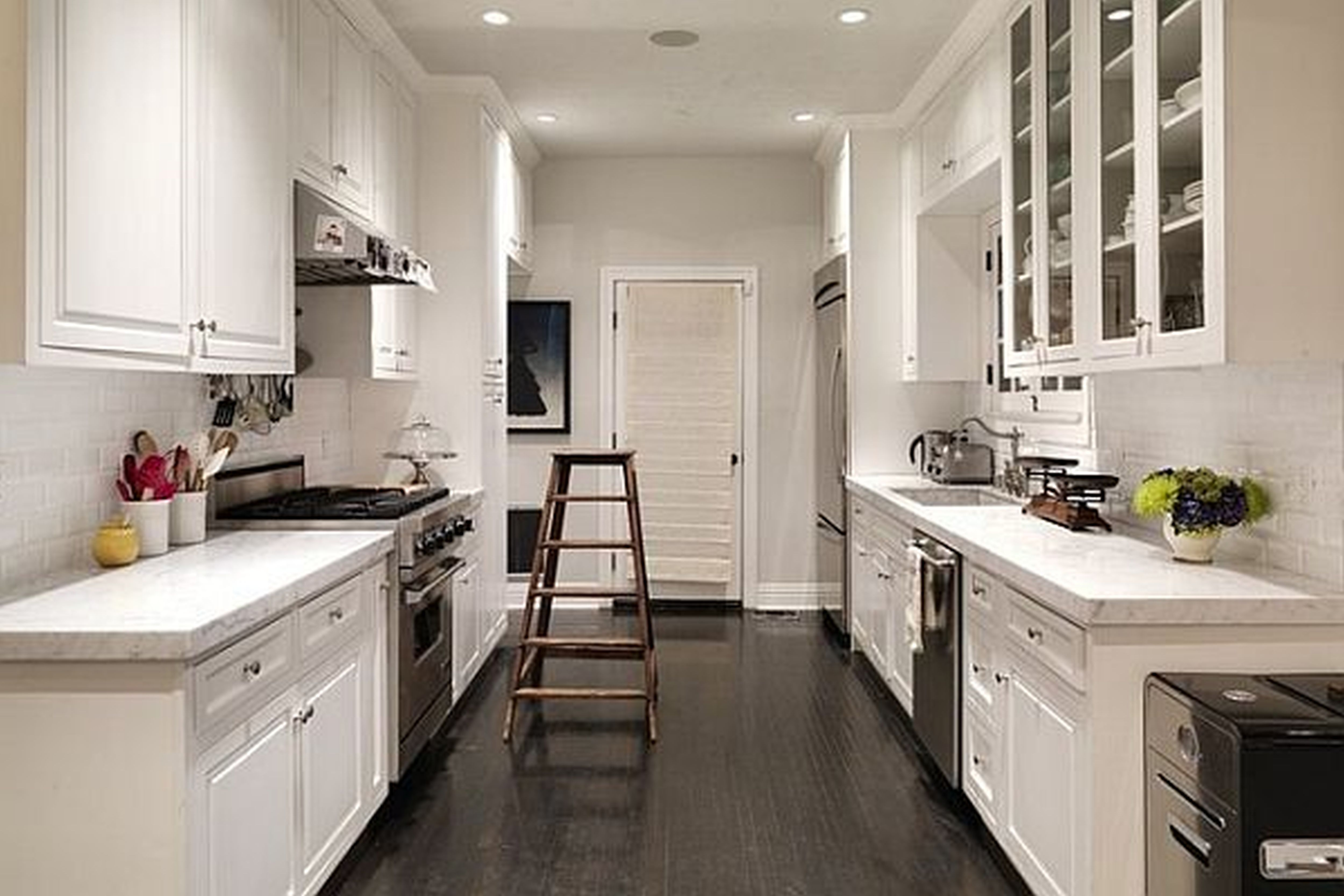 37 Examples Of Galley Kitchen Lighting That Looks Very Impressive Secondary Focal Points And Accents Pinterest Kitchens Small