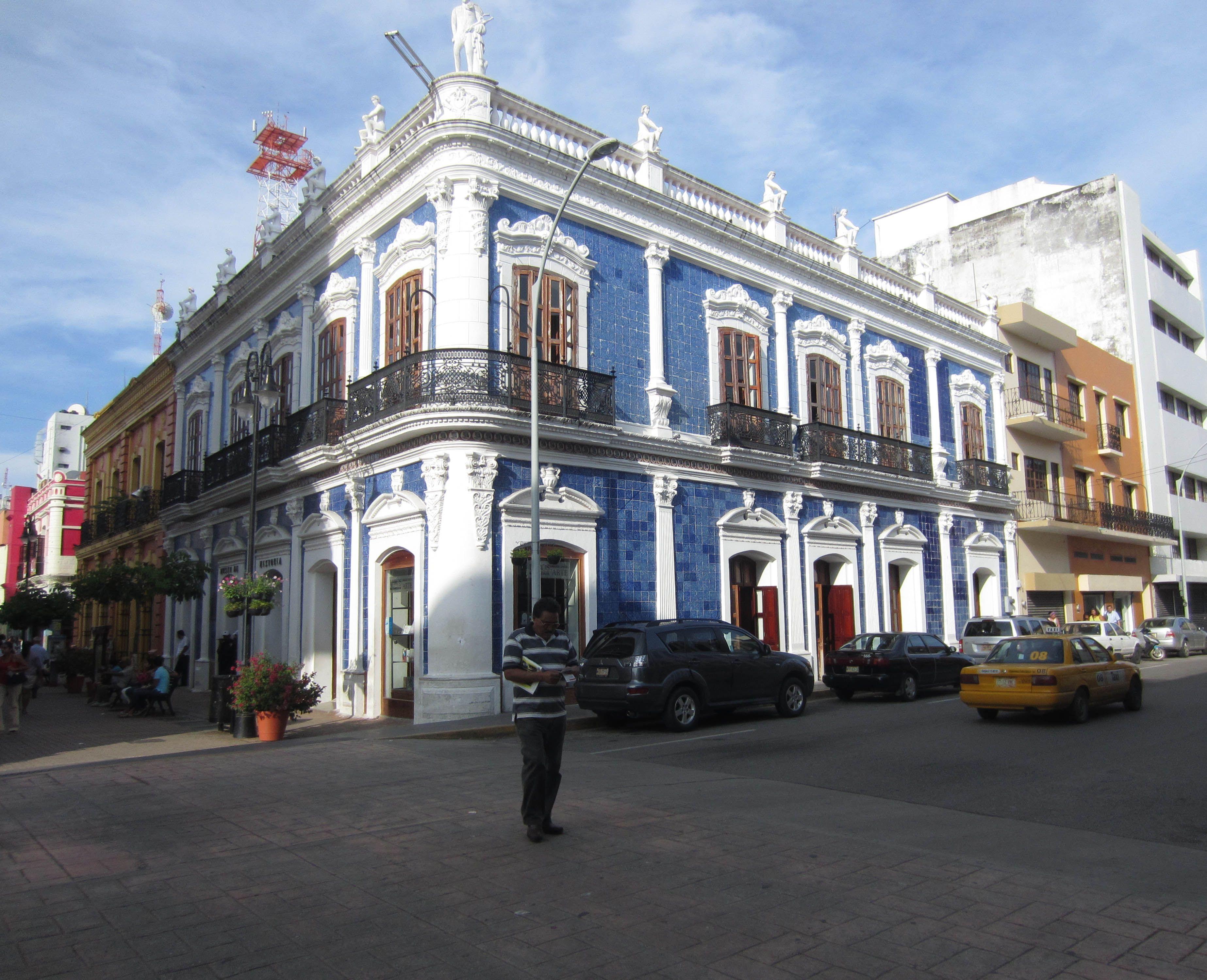 Museo de historia de tabasco casa de los azulejos regla for Casa de azulejos