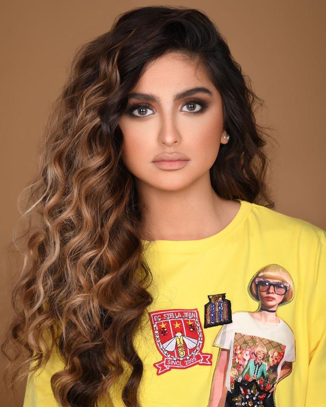 عدسات بيوتيس القطر Beautiful Girl Face Indian Hairstyles Hair Styles