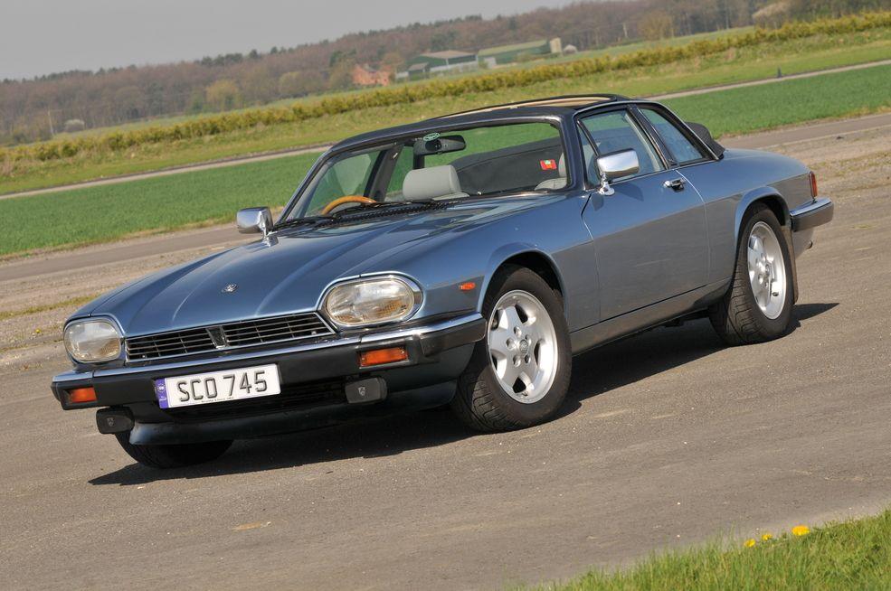 Classic Jaguar Model – Car Wallpaper 4k