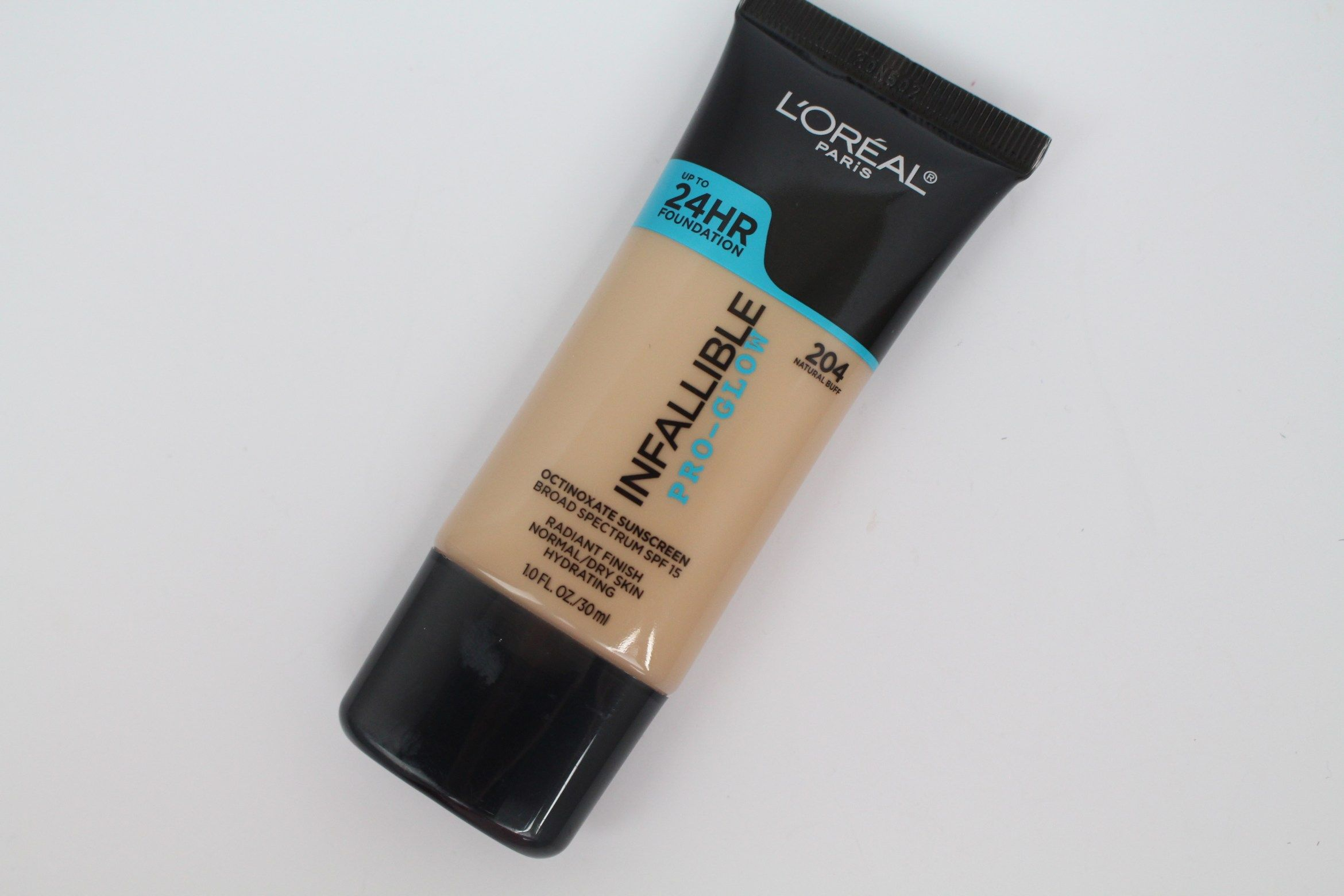 L'Oreal Infallible Face ProGlow Foundation Loreal paris