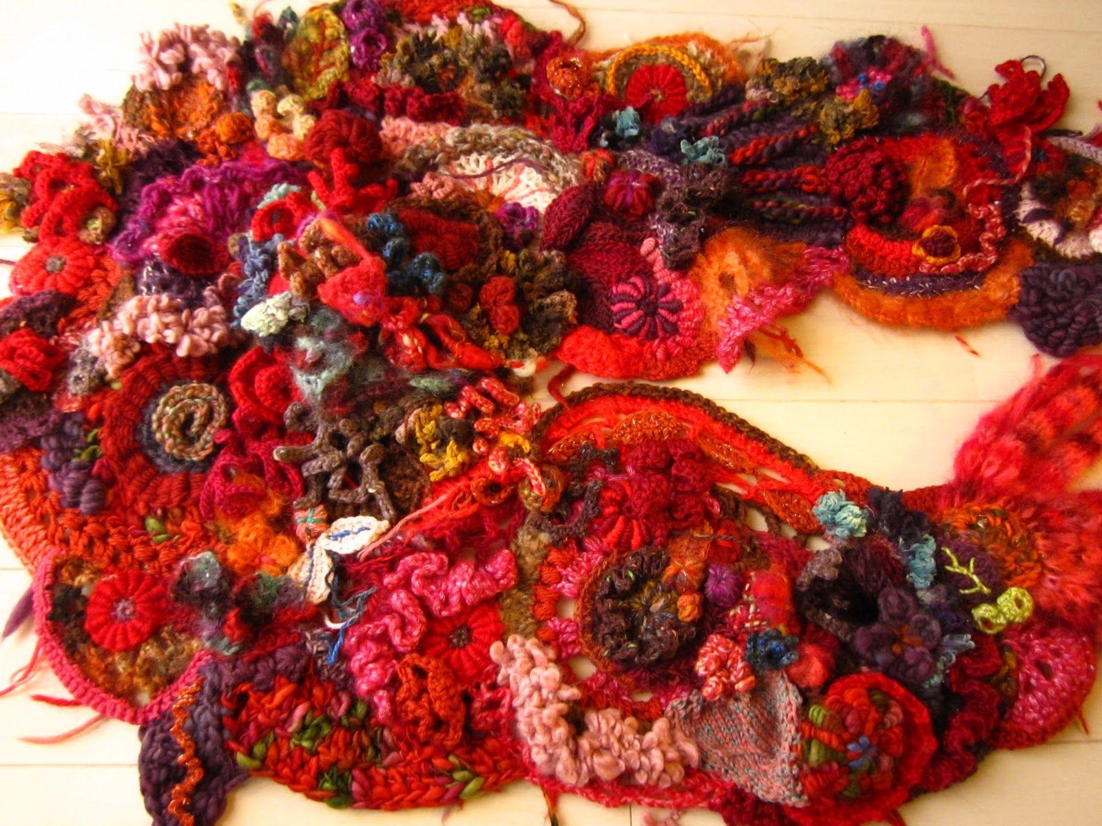 freeform crochet http://chikkyknit.blogspot.jp/2010/12/deep-blue-coral-red.html?m=1
