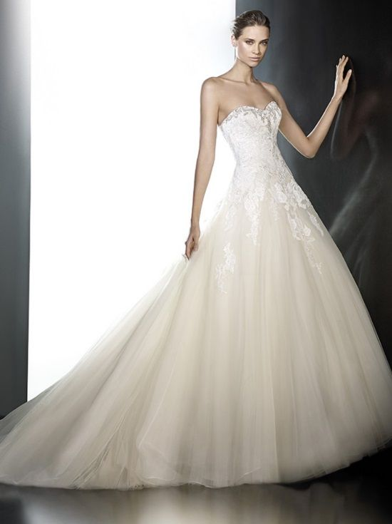 View All Wedding Dresses On Sale At Bridal Manor In Pretoria Store Sample As Well Pre Loved Gowns Are Available Discounted Prices