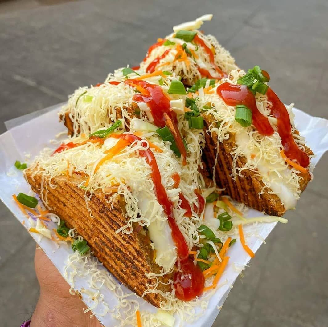 Tandoori Bite 🔥...Tandoori Bite 🔥  .  .  .  Location: @preeti_sandwich_n_juice_centre , Thane  Credits  :-@indigenous_foodie  #mumbai #ifoundawesome #cheese #buzzfeed #foodblogger #foodforfoodies #mumbaifoodie #mumbaifoodlovers #mumbaiblogger #tandoori #gujarat #pune #mumbaifood #foodandwine #india #tastespotting #foodofmumbai #punefood #trellingmumbai #sandwich #munchymumbai #delhifood #mumbaistreetfood #nyceats #feastagram #tasty #feedyoursoull #insiderfood